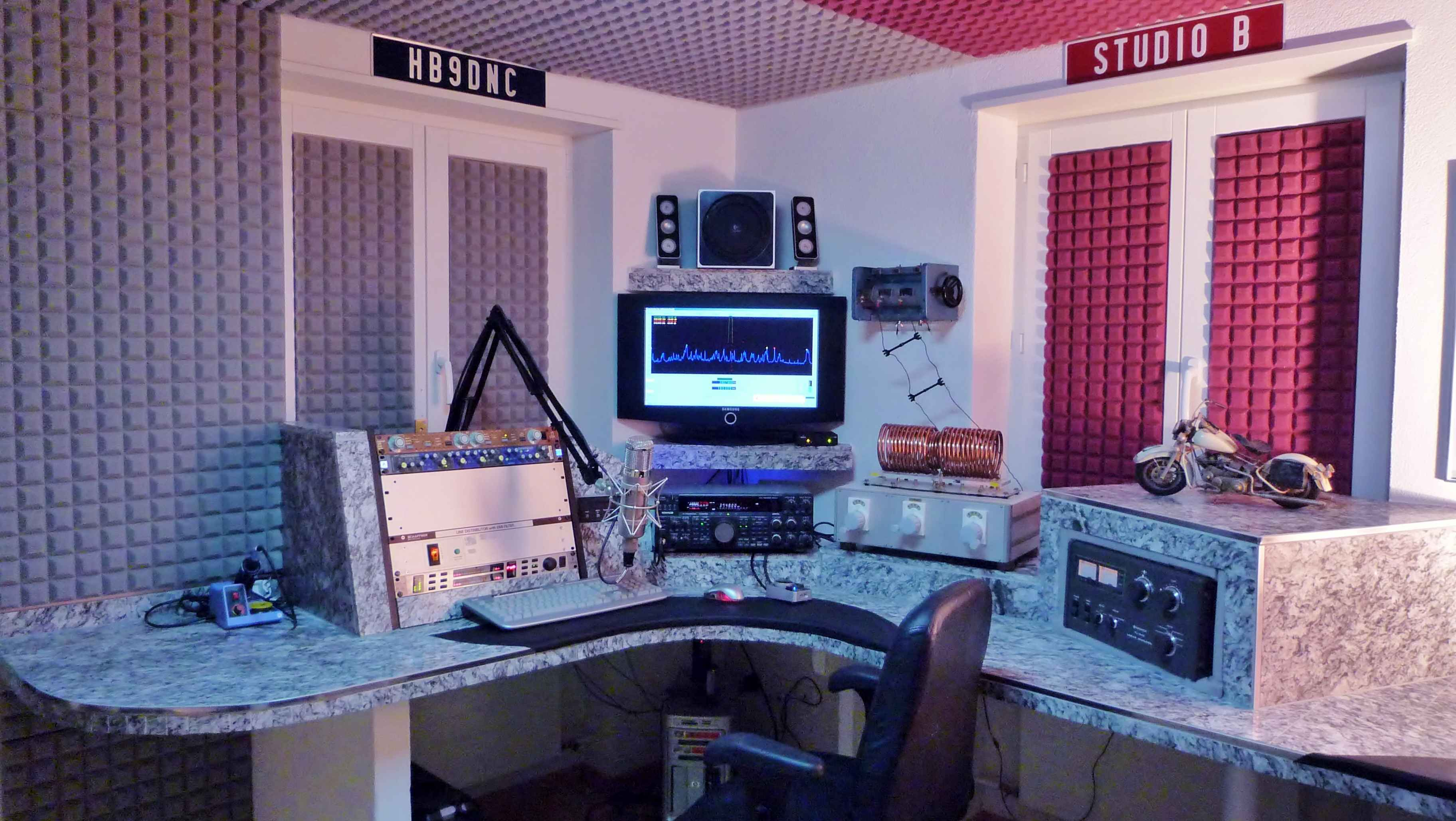 Here is the eSSB Voodoo Studio of HB9DNC!